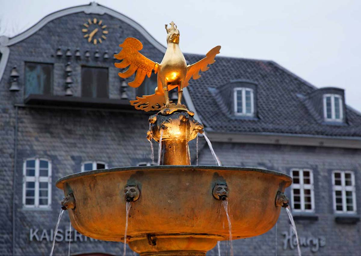 Goslar's market fountain with the bronze imperial eagle